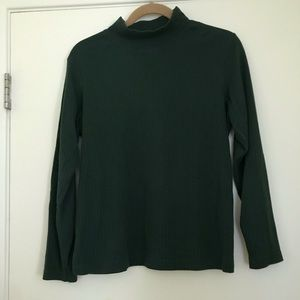 Green long sleeve turtle neck